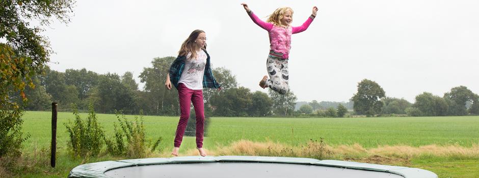 Logeerboerderij Oltvoort trampoline